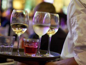 Incapacidad por fibromialgia para una camarera